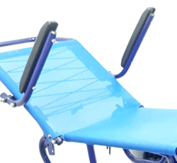 cadeira anfíbia com braços articulados